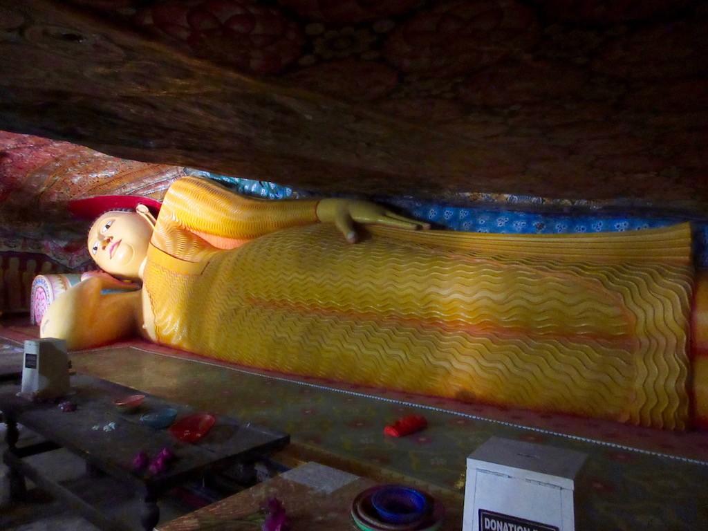 Hambantota - Reclining Buddha