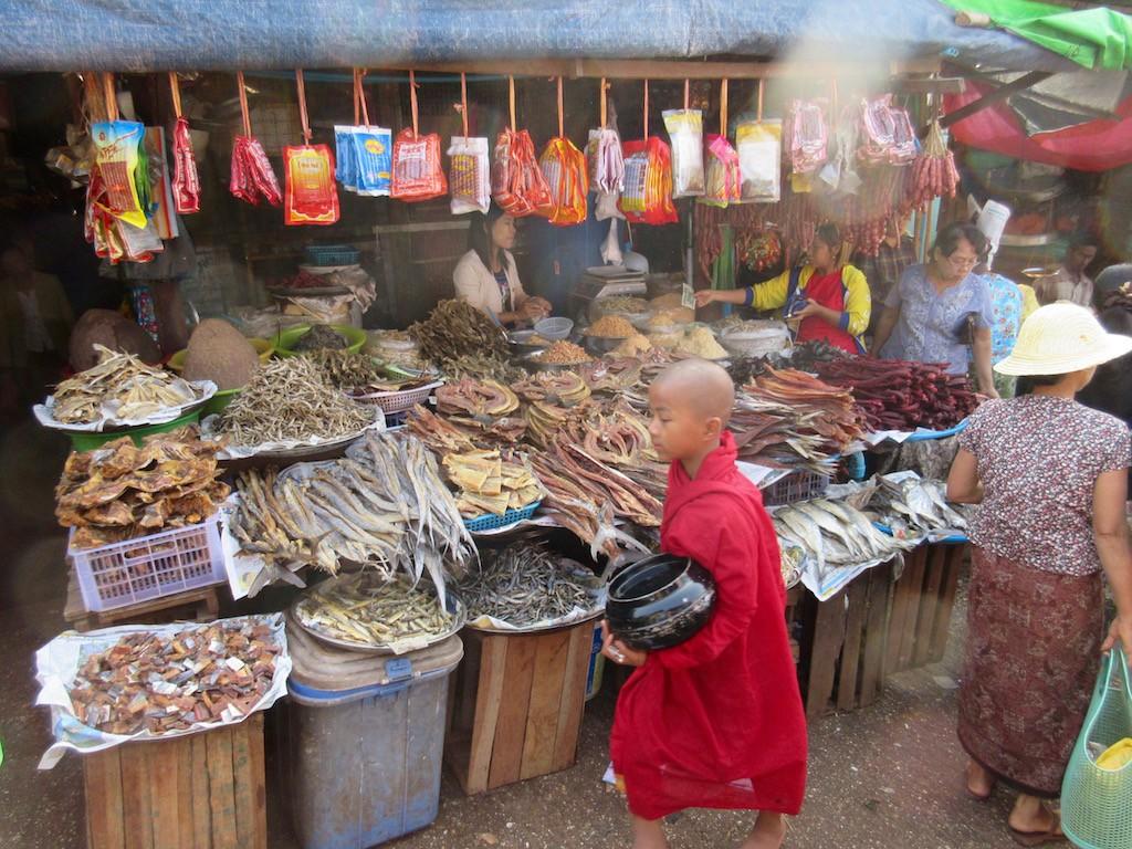 Thanlyin Market