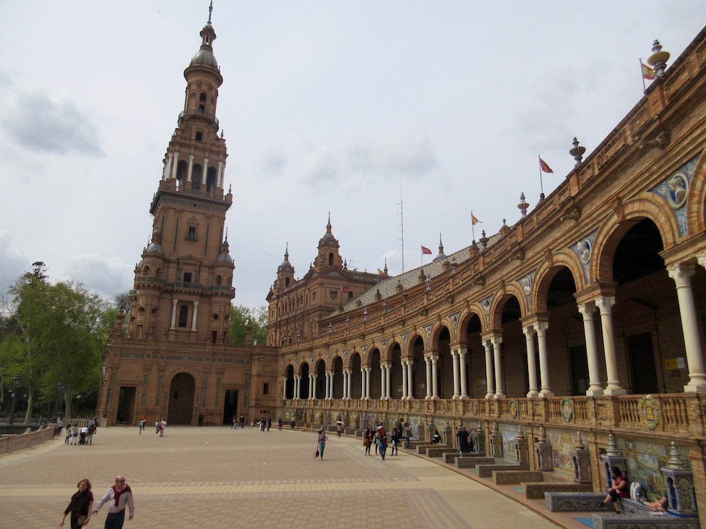 how to get to seville from cadiz