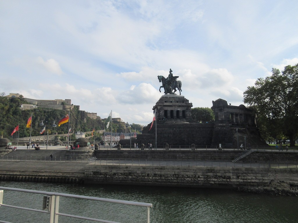 Koblenz - Statue of William